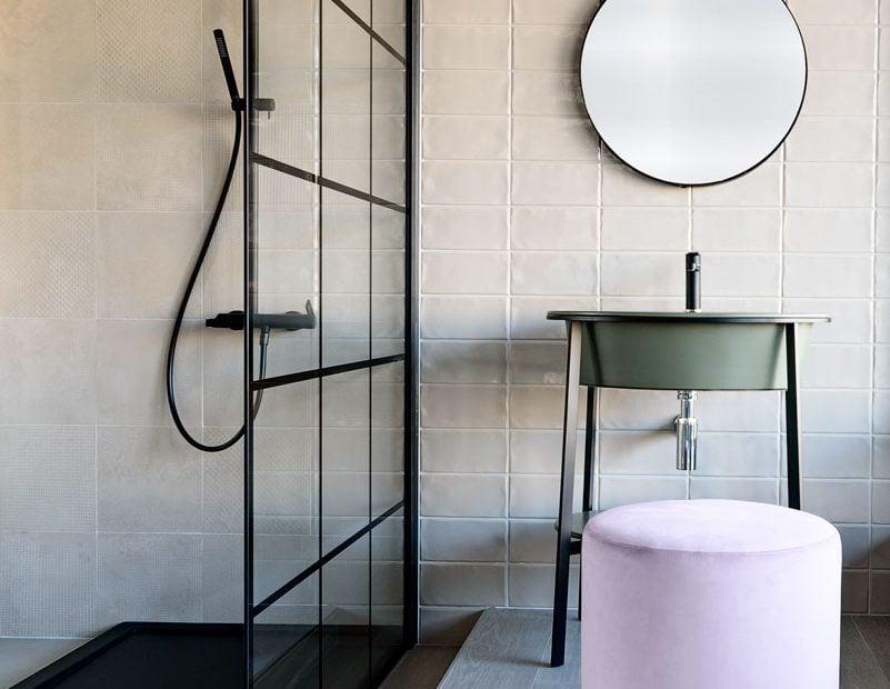 Box doccia grande e lavabo freestanding Reggio Emilia