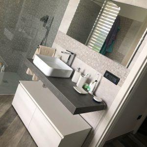 Mobile bagno con lavabo appoggiato